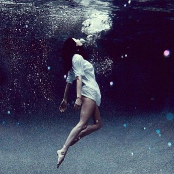 сонник падать в воду несмотря столь малую