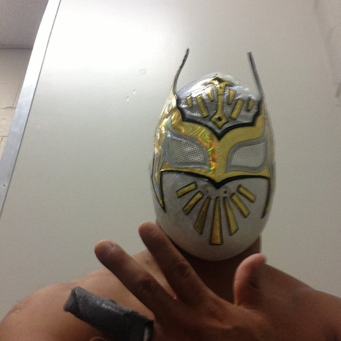 51957917 LAZMmeElgkPeP34aXBJq3bUaOgvcYbi9 EQgtK9zVZI Paul Heyman Comments On Relationship With The McMahons, Sin Cara Posts Photo Of His Hand