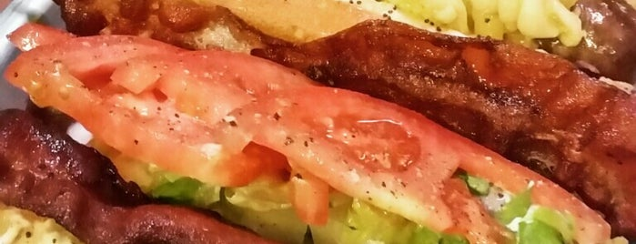 foto 20 Must-Try Hot Dogs in America