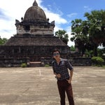 Photo taken at Wat Visuonnaradh by Chitphon Y. on 7/10/2014