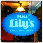 Photo taken at Miss Lily's & Melvin's Juice Box by Clay W. on 10/26/2012