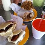 Photo taken at El Buen Sabor De La Arepa .C.A by Mokabistropty P. on 10/12/2011