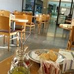 En el Restaurante del 1er piso se come bien, no hay mucha variedad pero es todo rico, y la atención es muy buena