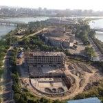Photo taken at 양각도 국제 호텔 (Yanggakdo International Hotel) by Uri Tours to North Korea on 9/3/2013