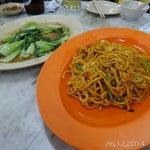 Photo taken at Eng Seng Restaurant (永成餐室) by 친 미 린 on 12/26/2014
