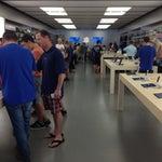 Photo taken at Apple Store, Los Gatos by Jon S. on 6/29/2013