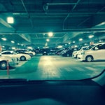 空港前の駐車場に6:30〜21:00まで停めて2500円だった。空港までのアクセスを考えると日帰り出張は特に車がオススメです。