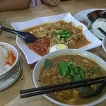 Photo taken at 同乡美食坊 by Leong W. on 9/1/2014