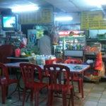 Photo taken at Restaurant Al Nainas by Yi Leong L. on 6/7/2011