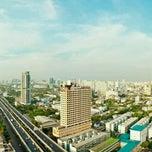 Photo taken at TIPCO Tower (อาคารทิปโก้) by SirBacheL (. on 4/25/2012
