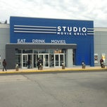 Photo taken at Studio Movie Grill by Ivan G. on 1/5/2013