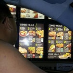 Photo taken at Taco Bell by Bonny G. on 9/18/2013