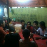 Photo taken at Perempatan Warung Jambu by Billiand W. on 2/16/2013