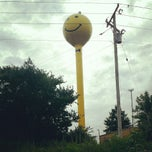 Photo taken at Smiley Face Water Tower by Justin L. on 7/30/2014