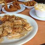 Photo taken at Lo-Lo's Chicken & Waffles by Tonya W. on 5/24/2013