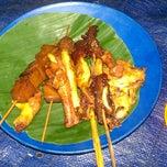 Photo taken at Angkringan Nasi Kucing Fatmawati by Arie M. on 3/29/2014