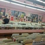 Photo taken at Joe's Record Paradise by Dong Eun S. on 5/24/2015
