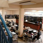 Photo taken at Biblioteca TESARIO (Universidad Francisco Gavidia) by Mario M. on 10/27/2012