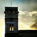 Photo taken at Avenida Zaki Narchi by Tertuliano X L. on 10/31/2012