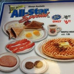 Photo taken at Waffle House by Billy H. on 1/26/2013
