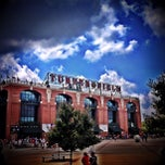 Photo taken at Turner Field by Willie🍊 J. on 9/15/2013