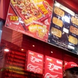 Photo taken at PHD (Pizza Hut Delivery) by Yohanes J. on 3/15/2014