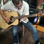 Photo taken at Yamaha Beatspot by Hanim A. on 2/13/2013