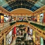 Foto tirada no(a) Shopping Center Iguatemi por Haroldo F. em 2/15/2013
