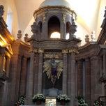 Photo taken at Iglesia del Señor De Las Maravillas by Antonio H. on 8/18/2013