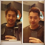 Photo taken at Peek-a-boo Hair Salon by William Lye Wei Wern on 3/14/2014