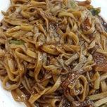 Photo taken at Bamboo Restaurant 竹林風味小食 by Eddie A. on 3/4/2014