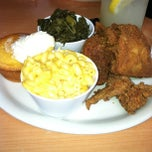 Photo taken at Lo-Lo's Chicken & Waffles by Monique C. on 6/29/2013