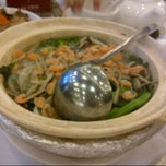 Photo taken at Choi Fook Restaurant 彩福酒家 by Monica C. on 11/4/2012