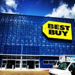 Photo taken at Best Buy by Mohamed A. on 5/24/2013