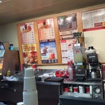 Photo taken at Wendy's by Lynnise on 12/18/2014
