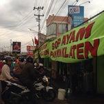 Photo taken at Sop Ayam Pak Min Klaten by Eshape B. on 11/23/2013