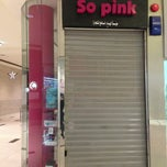 Photo taken at SO PINK by Ruba A. on 8/10/2013