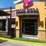 Photo taken at Taco Bell by Roberto C. on 10/6/2012