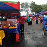 Photo taken at Bazar Ramadhan Seksyen 17 by noor s. on 7/2/2014