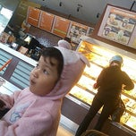 Photo taken at Dunkin' Donuts by Mansyur H. on 2/26/2015