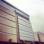 Foto tirada no(a) Woodfield Mall por Neftali R. em 3/16/2013