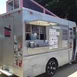 Photo taken at Coolhaus Truck by Thirsty J. on 6/9/2013