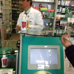 Photo taken at Farmacias Cruz Verde by Alvaro G. on 9/21/2013