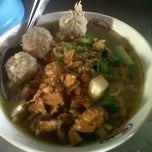 Photo taken at Mie Ayam Pak Djo by Alendra D. on 10/25/2012