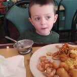 Photo taken at China City Buffet-Fountain Place Mall by Shane R. on 7/12/2013