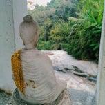 Photo taken at วัดพันแหวน (Wat Phan Waen) by Rafael S. on 3/3/2015
