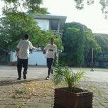 Photo taken at SMA Negeri 1 Makassar by Ina M. on 11/27/2012