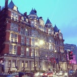 Photo taken at Mandarin Oriental Hyde Park, London by Kod T. on 3/17/2013