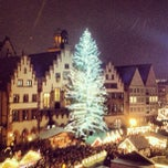 Photo taken at Weihnachtsmarkt Frankfurt by Marc G. on 12/13/2012