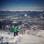 Photo taken at Peak 8 Breckenridge by e*starLA on 2/11/2013